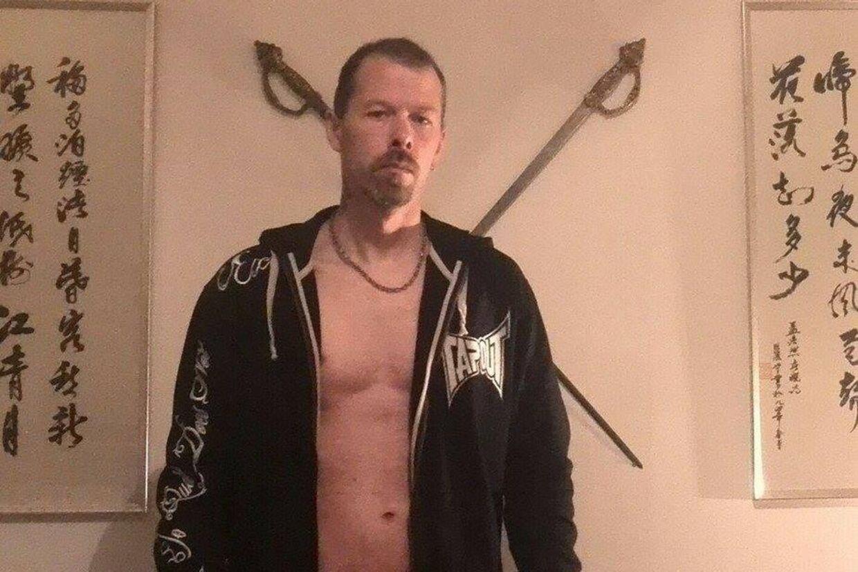 Her ses Peter Jensen på hans profilbillede på Facebook.