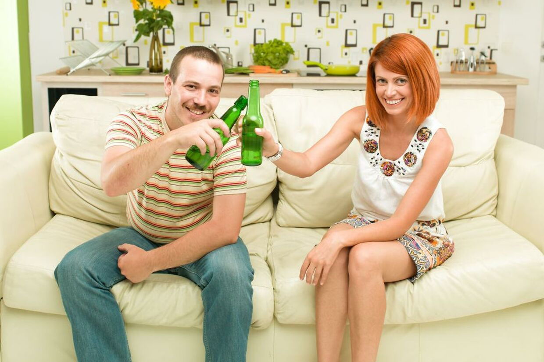Hvordan man kan date uden online dating