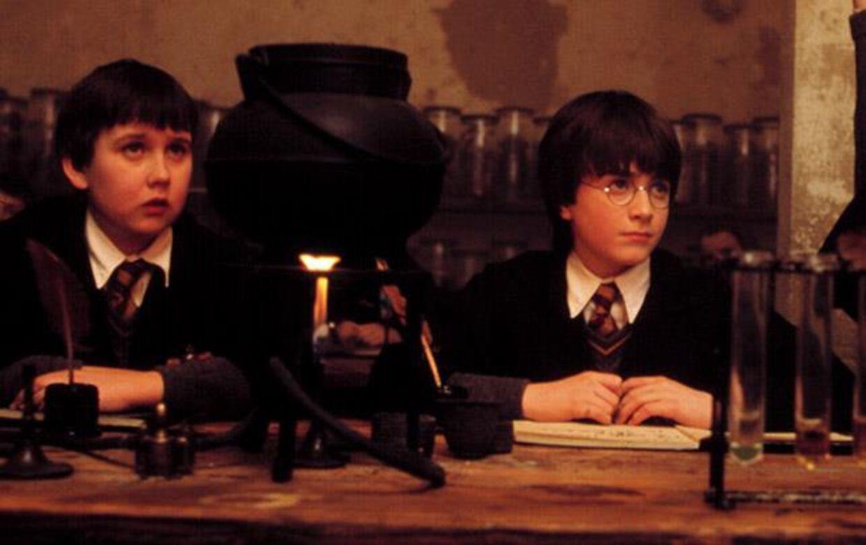 Matthew Lewis ses her som Neville Longbottom ved siden af Daniel Radcliffe som spillede Harry Potter. Foto: All Over