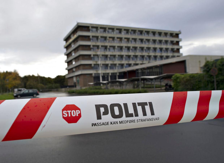 Brevtrussel om skoleskyderi lukker TietgenSkolen i Odense onsdag morgen d.10.oktober 2012.