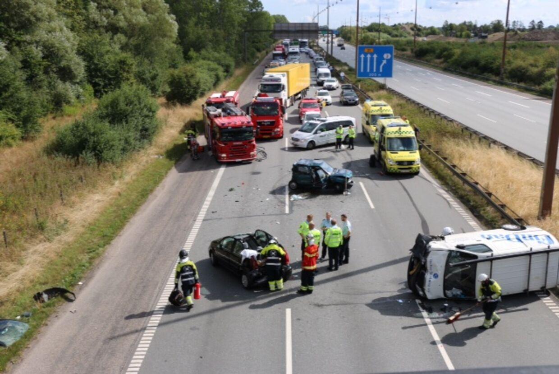 Voldsom ulykke ved Vallensbæk