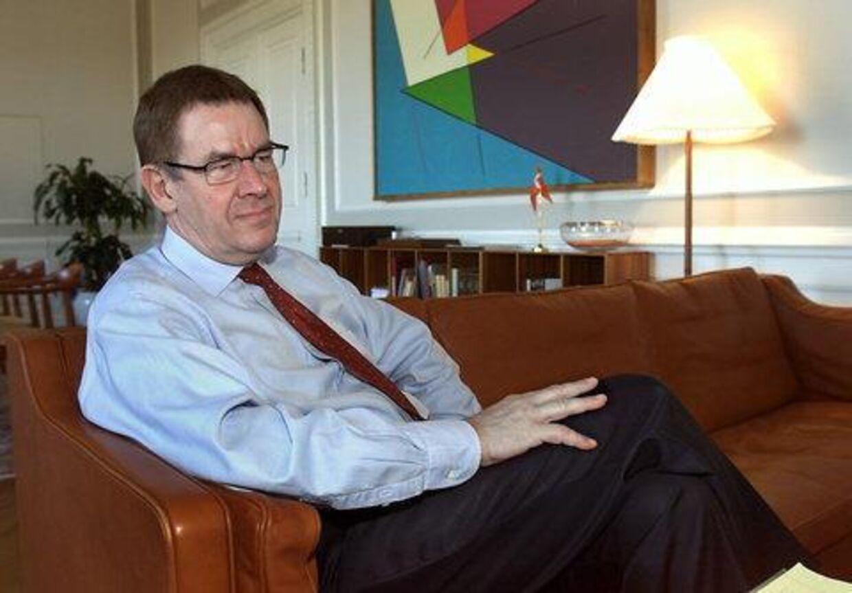 Poul Nyrup Rasmussen forsikrer, at hans verden ikke bryder sammen, hvis han mister regeringsmagten tirsdag. Foto: Bent Midstrup