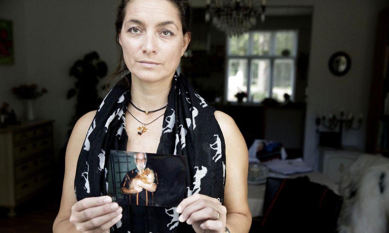 47-årige Søs Fejerskov-Qvist mener, politiet har konfiskeret 110.300 kroner fra sin fars dødsbo, men ved udbetalingen af pengene manglede 20.000 kroner.