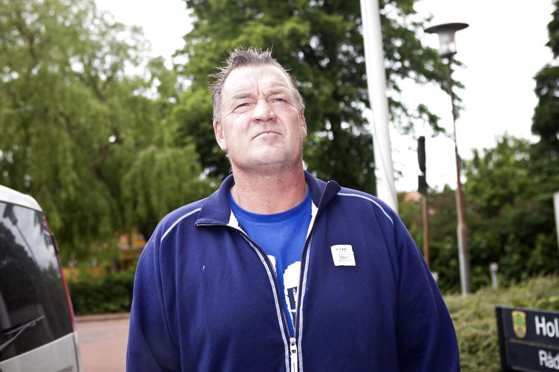 Brian Nielsen mødte op i Retten i Holbæk, da retssagen mod hans søn begyndte mandag. Det var han til gengæld ikke, da sagen fortsatte onsdag formiddag. Her er Bokse-Brian fotograferet efter retsmødet mandag.