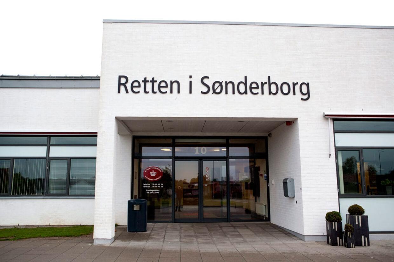 De seks nævninge og de tre dommere i Retten I Sønderborg var enige: Den 25-årige Bjørn Nedergaard Nielsen blev idømt forvaring for sine sex-forbrydelser mod småpiger.