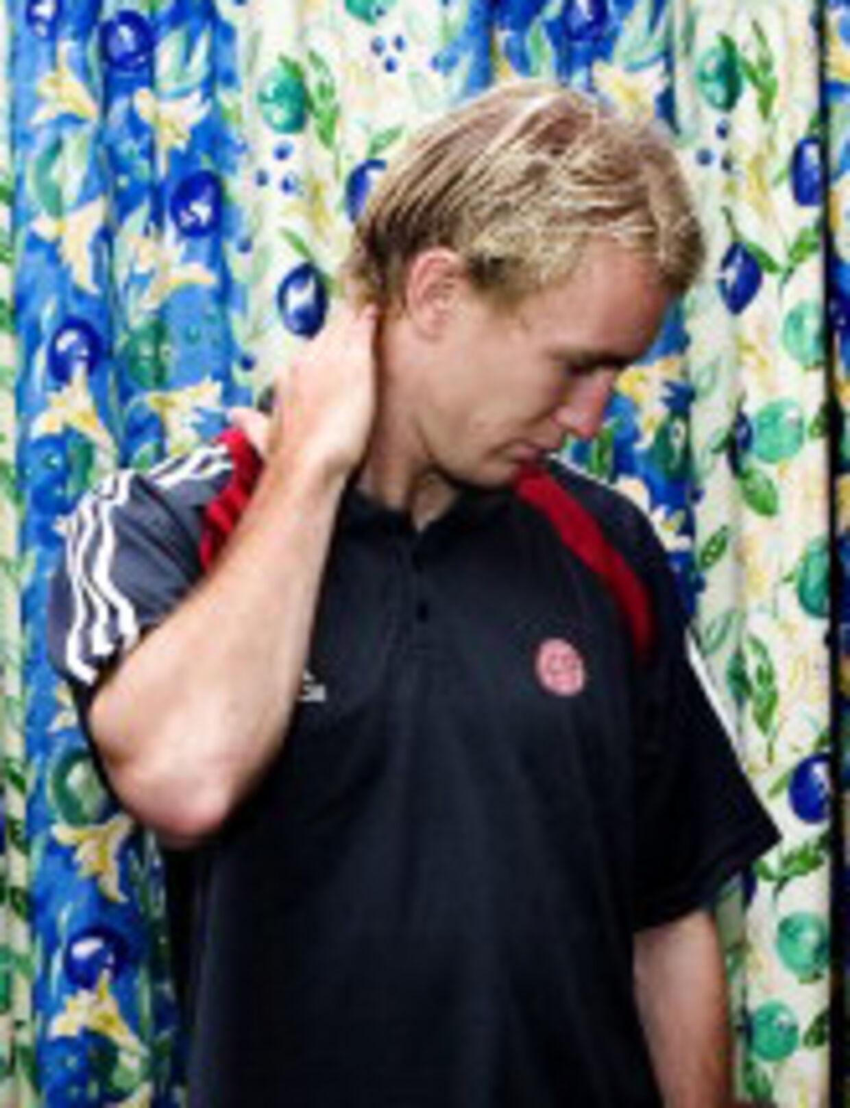Thomas Kahlenberg klør sig i nakken efter den mislykkede VM-mission med A-landsholdet. Nu gælder det EM med U21-landsholdet. Foto: Jeppe Carlsen