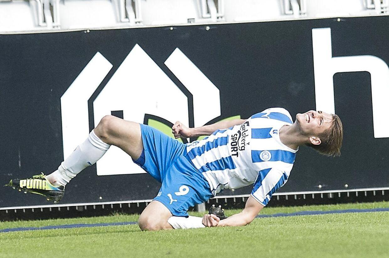 Rasmus Falk jubler over sin 2-0-scoring i torsdagens kamp mod Randers.