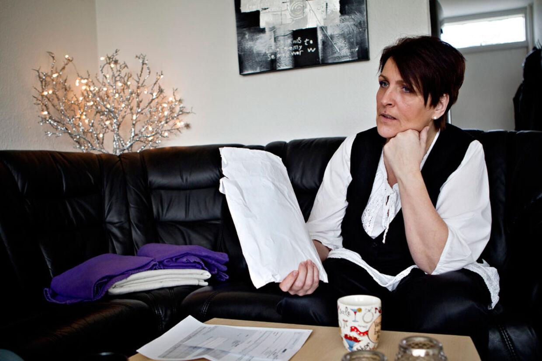 Statsforvaltningen fulgte ikke sine egne retningslinjer, da Janni henvendte sig for at få skilsmisse fra sin sex-dømte mand.