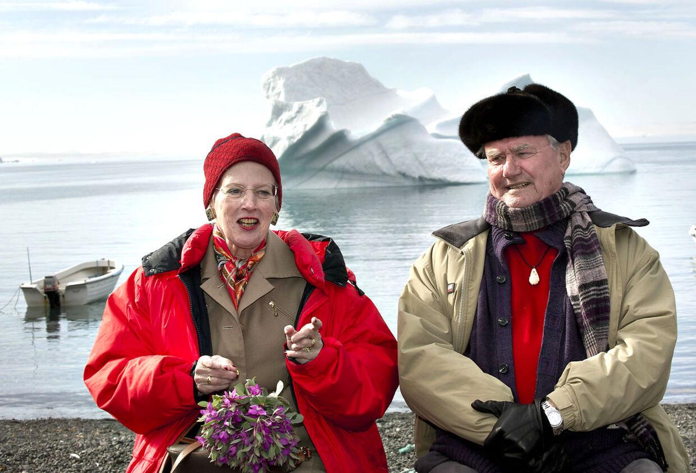 - Man kan jo ikke lægge is ud i fjorden med en dybfryser, siger Dronning Margrethe på besøg i Qeqertarsuaq.