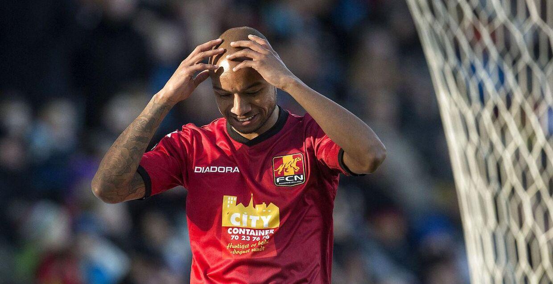 FCN-spilleren Joshua John må i dagens Superliga-kamp mod Viborg nøjes med en plads på udskiftningsbænken.