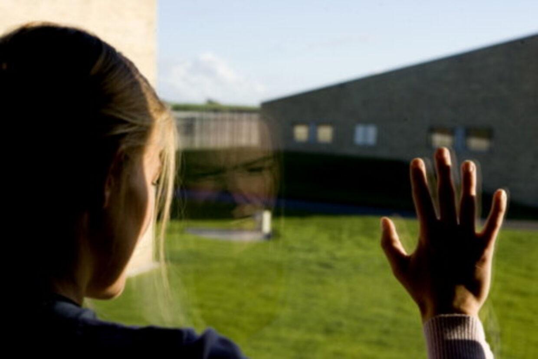 Antallet af kvinder i fængslerne er mere end fordoblet i løbet af de seneste  ti år.