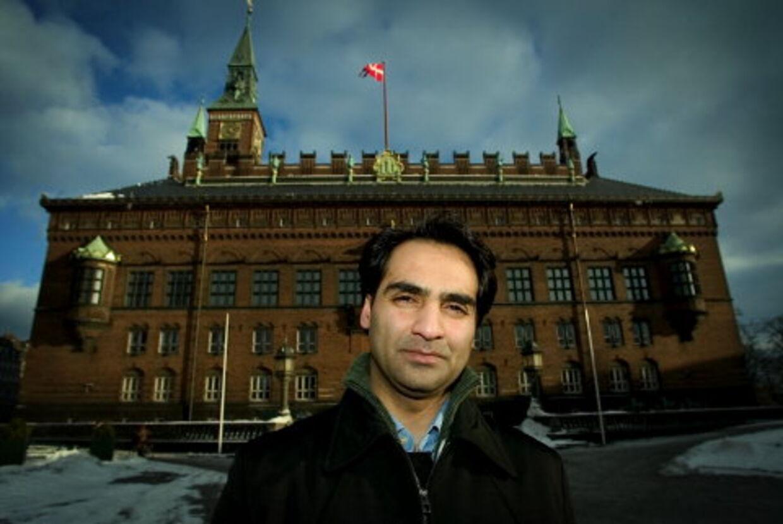 De har et mål, og det er at smadre min politiske karriere, siger Mohammad Rafiq, der har anmeldt sagen til PET. Han er nu under politibeskyttelse. Foto: Peter Clausen