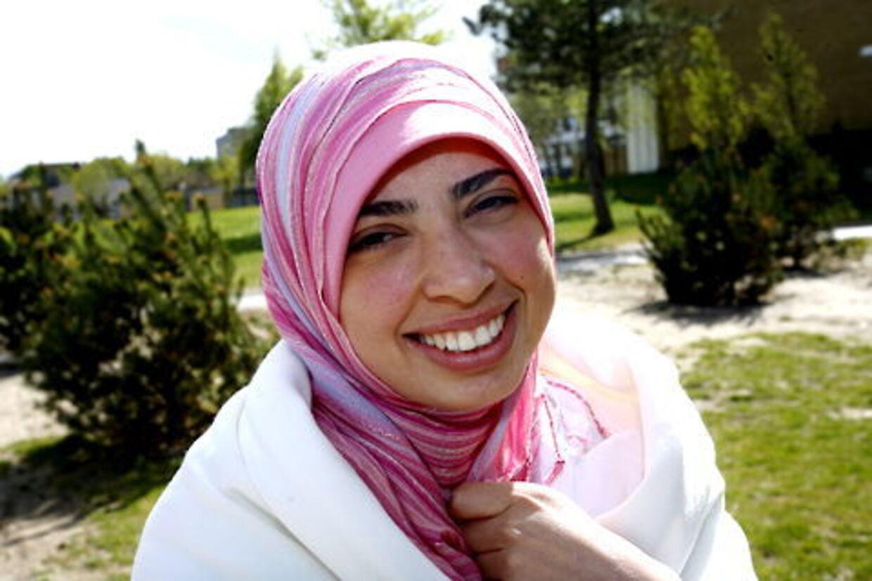 Enhedslistens folketingskandidat Asmaa Abdol-Hamid har lagt sig ud med hele Christiansborg, efter hun har givet sin støtte til irakernes kamp mod de internationale styrker og sammenlignet deres indsats med den danske modstandsbevægelse.