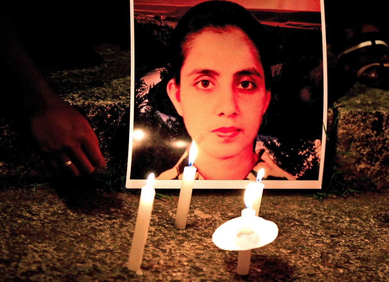 De ansvarlige for fupopkaldet, der tilsyneladende drev Jacintha Saldanha til selvmord, opretter nu en mindefond til støtte og hjælp for familien.