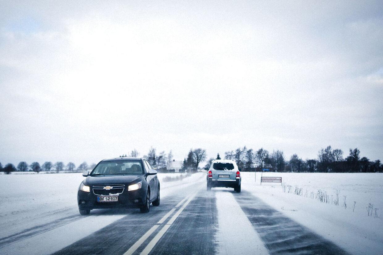 Tidligere frarådede politiet al unødig udkørsel i forskellige dele af Danmark. Nu er vejene igen ved at være farbare. Falck har haft travlt. Her ses Næstved Landevej tirsdag d.11.december 2012. (Foto: Asger Ladefoged/Scanpix 2012)