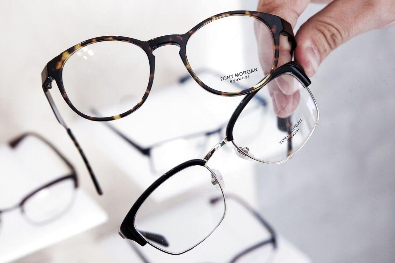 Selv om der ifølge Børnerådet og Red Barnet er langt mindre mobning i folkeskolen i dag end tidligere, frygter en del forældre alligevel, at deres barn mobbes, når det skal til at gå med briller.