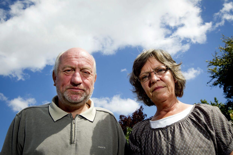 Lægerne nægter at lade Per og Ketty se deres syge datter K, som er indlagt på Hammel Neurocenter.