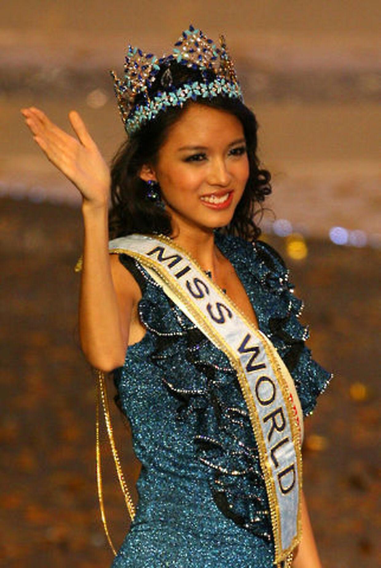 23-årige Zi Lin Zhang blev kåret som verdens smukkeste kvinde.