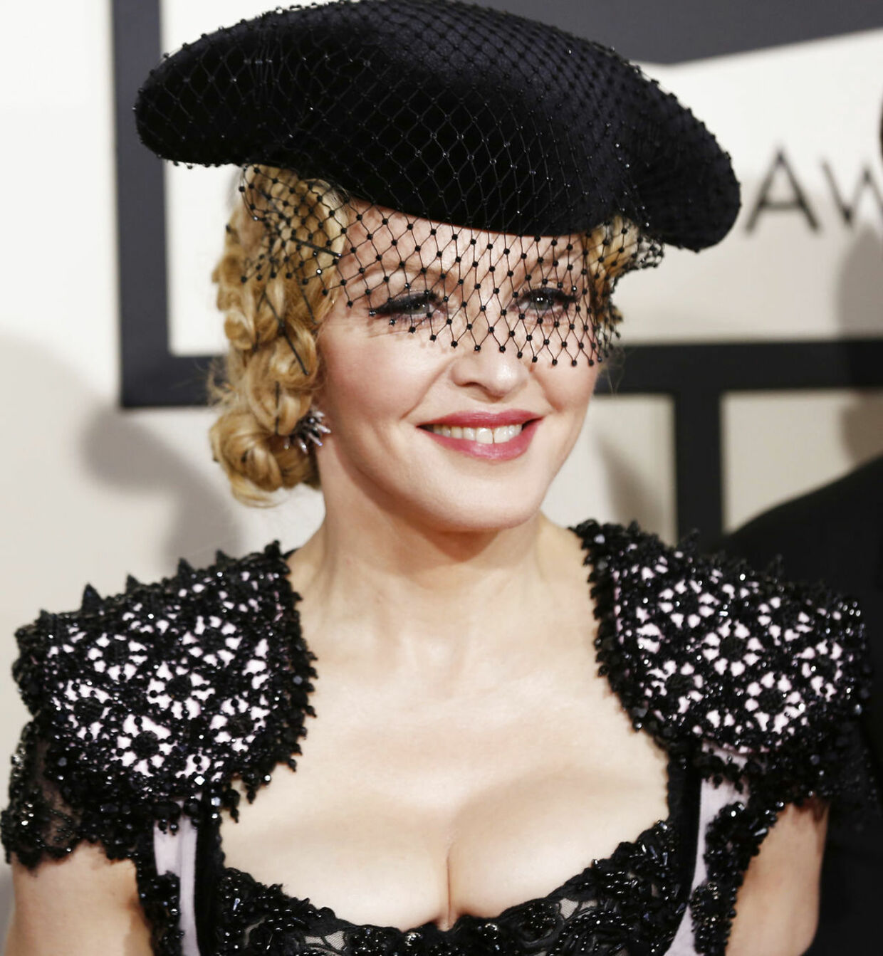 Singer Madonna arrives at the 57th annual Grammy Awards in Los Angeles, California February 8, 2015. REUTERS/Mario Anzuoni (UNITED STATES - TAGS: ENTERTAINMENT) (GRAMMYS-ARRIVALS)