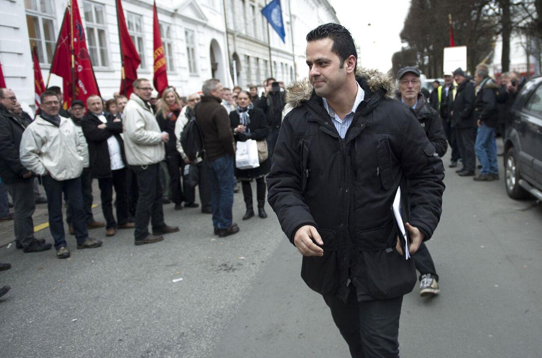 Vejlegårdens Amin Skov forlader arbejdsretten efter kendelsen torsdag den 29. november. (Foto: Keld Navntoft/Scanpix 2012)