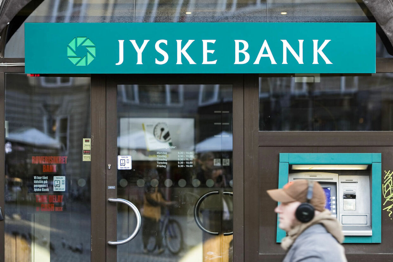 Fra februar vil det koste 400 kroner at oprette en konto i Jyske Bank og 150 kroner om året i abonnement.