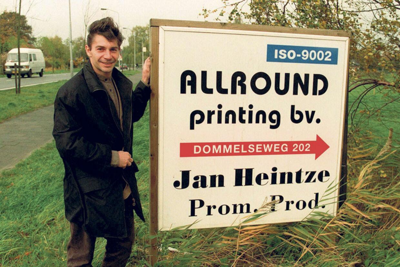Jan Heintze, tidligere landsholdsspiller i fodbold, købte allerede i sin første tid i Holland et trykkeri, som nu er blevet hjørnestenen i hans forretnings-imperium.