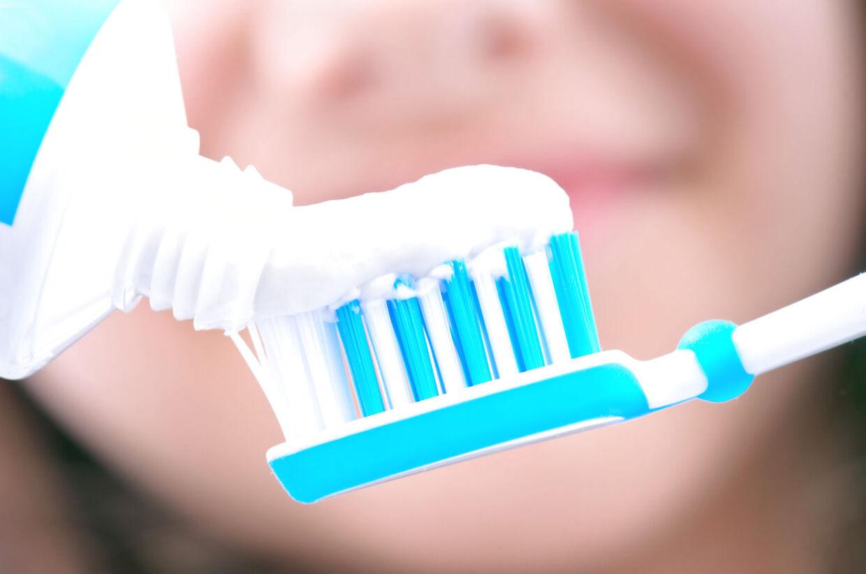 Vend tandpastatuben om og se, om der er triclosan i. Find et alternativ, hvis der er, lyder rådet fra Miljøstyrelsen.