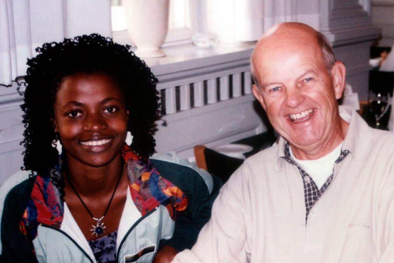 Preben Povlsen sammen med Maria Bulamu i 1999.