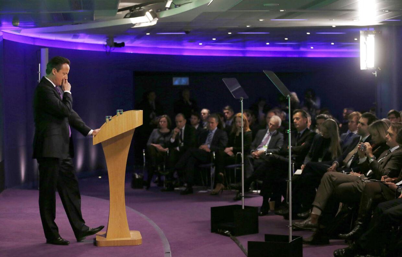 David Cameron lover i en tale at briterne skal stemme om det fremtidige tilhørsforhold til EU.
