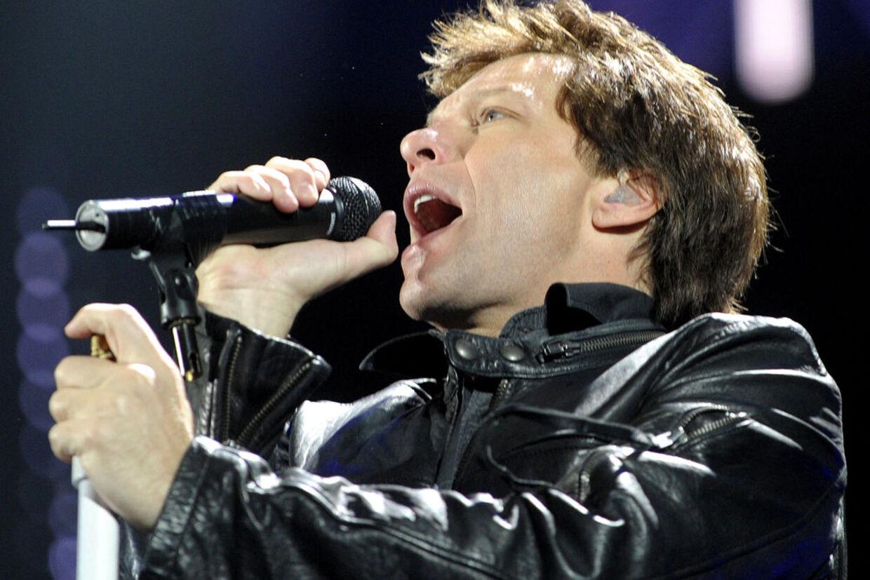 Fans raser over, at billetpriserne til Bon Jovis koncerter næste år er alt for dyre.