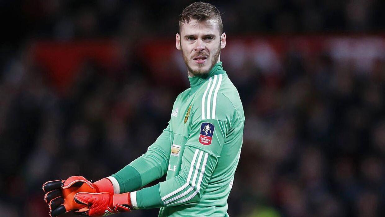 Manchester United bliver gjort til grin på Twitter for en uinspirerende indsats i FA Cup'en.