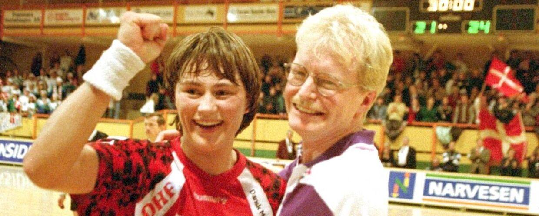 Anja Andersen jubler sammen med landstræner Ulrik Wilbek