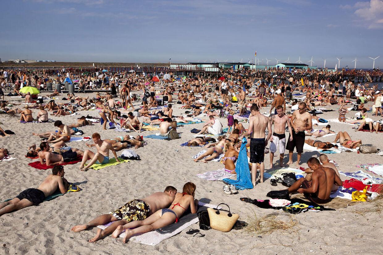 Nygart bryster topløse danske kvinder