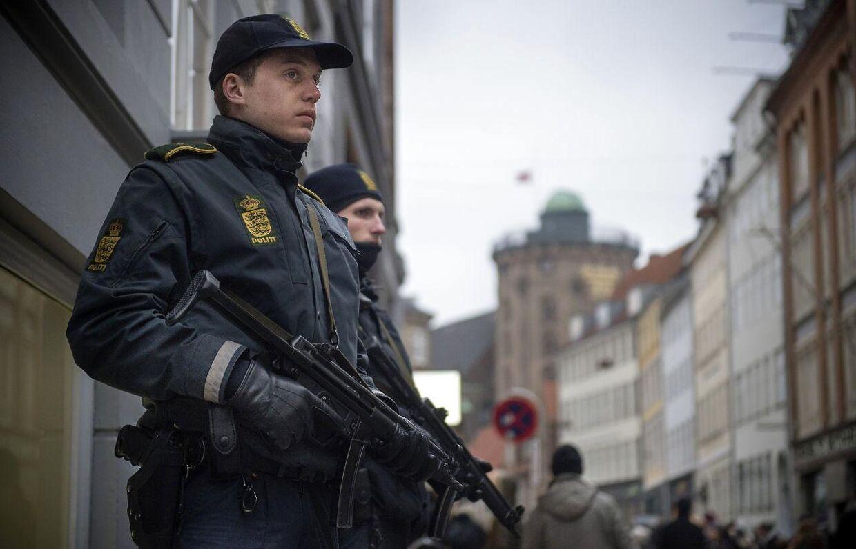 Bevæbnet beredskab efter angreb i København forlænges. Det er ikke Morten Beese Nielsen på billedet.