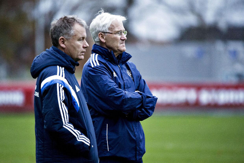 Fodboldlandsholdet blev mandag d. 9. november 2015 samlet på Hotel Marienlyst i Helsingør forud for de vigtige playoff-kampe d.14. og 17. november mod Sverige. Landstræner Morten Olsen.
