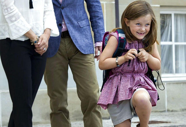 Krudtuglen - prinsesse Isabella - på sin første skoledag Foto: Keld Navntoft/Scanpix 2013