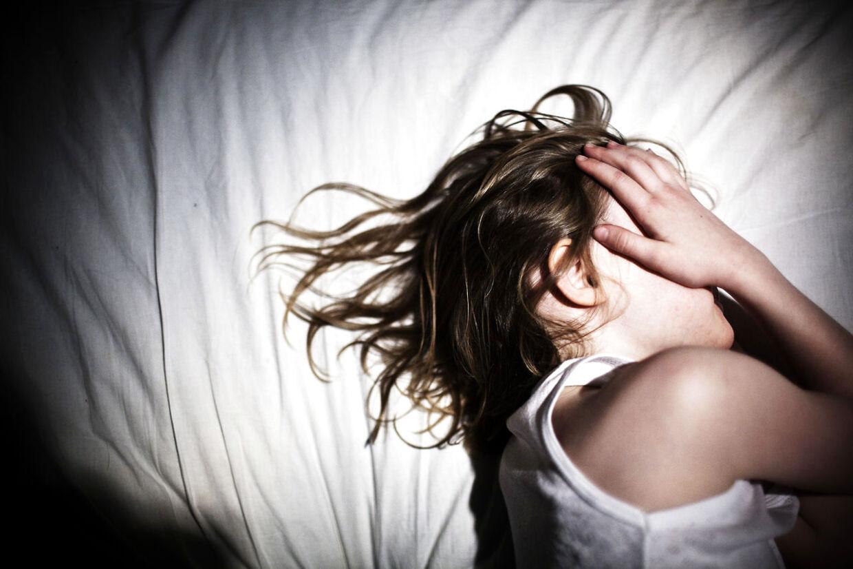 For første gang står den ene af de to søstre i Tønder-sagen frem og fortæller om de mange seksuelle overgreb, hun var offer for gennem otte år. (MODELFOTO)