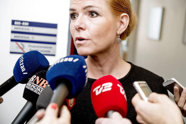 Integrationsminister Inger Støjberg (V) beklager nu, at hun fredag fortalte en anekdote om forbud af svinekød i en aalborgensisk børnehave. Ministeren kan ikke dokumentere historien.