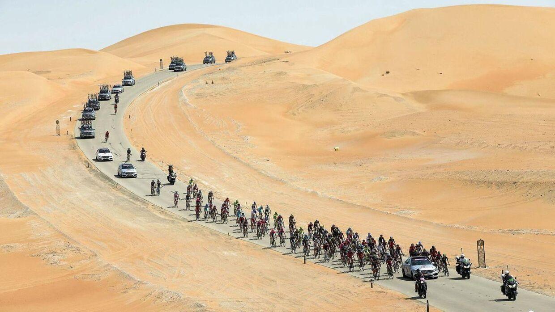 Rytterne kommer ud i nogle særdeles uvante terrænner, når de kører Abu Dhabi.
