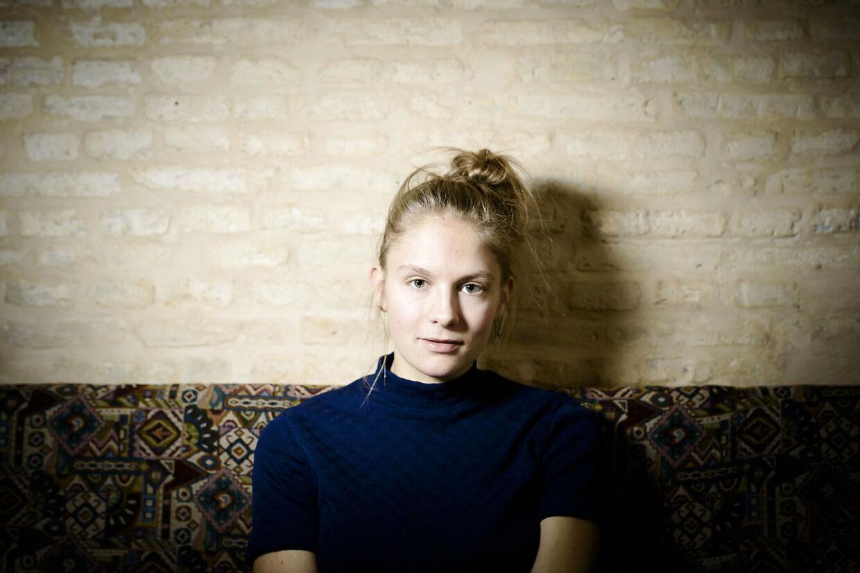 Seere af 'Vi ses hos Clement' kritiserer Emma Holten for at sige, at danskerne er 'verdens rigeste mennesker'.