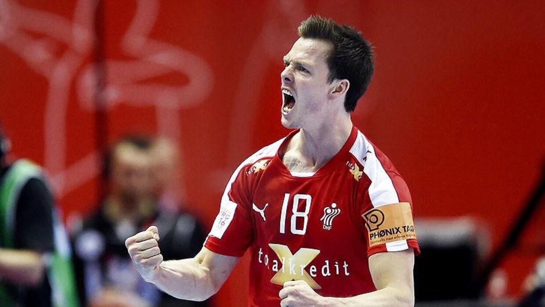 Hans Lindberg har været med i de to første danske EM-kampe, mod Rusland og Montenegro.