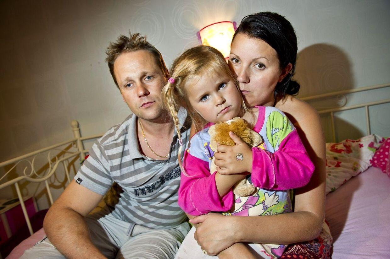 Lena og Richard Norman fik at vide, at deres fire-årige Wilma allerede var tjekket ud, da de kom for at hente hende fra Ikeas børnepasnings ordning i Ikea Uppsala. Personalet har formodentlig checket pigen ud til de forkerte forældre.