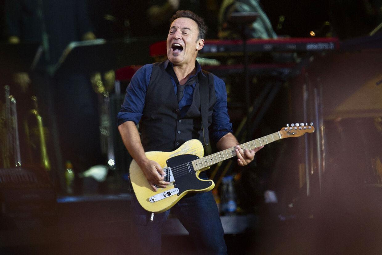 Bruce Springsteen giver koncert i Parken den 14. maj næste år. Billetsalget starter den 10. december.
