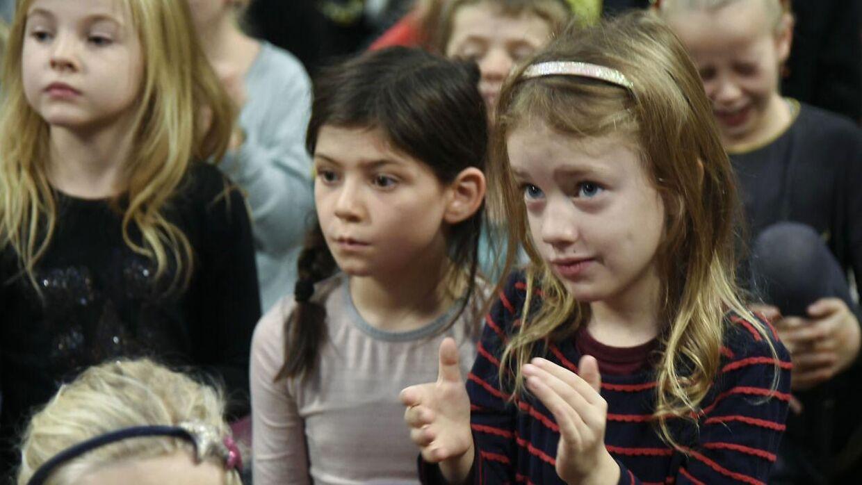 Elever i 4. klasse skulle i en national dansk-test forklare, hvad ordet 'inkommensurabel' betyder. Her ses elever fra 4. klasse under konkurrencen Årets Forfatterspire 2015.