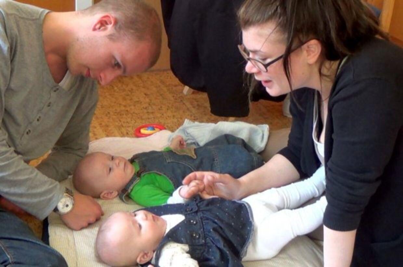DR fulgte i et år det unge par Marc Backhausen og Sabrina Andersen fra Hvidovre, der blev mistænkt for at være voldelige mod deres nyfødte tvillinger. Nu har politiet sat dets punktum i sagen. Foto: DR.