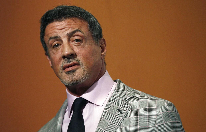 Sylvester Stallone blev ifølge kilder afpresset af sin nu afdøde søster gennem 26 år.