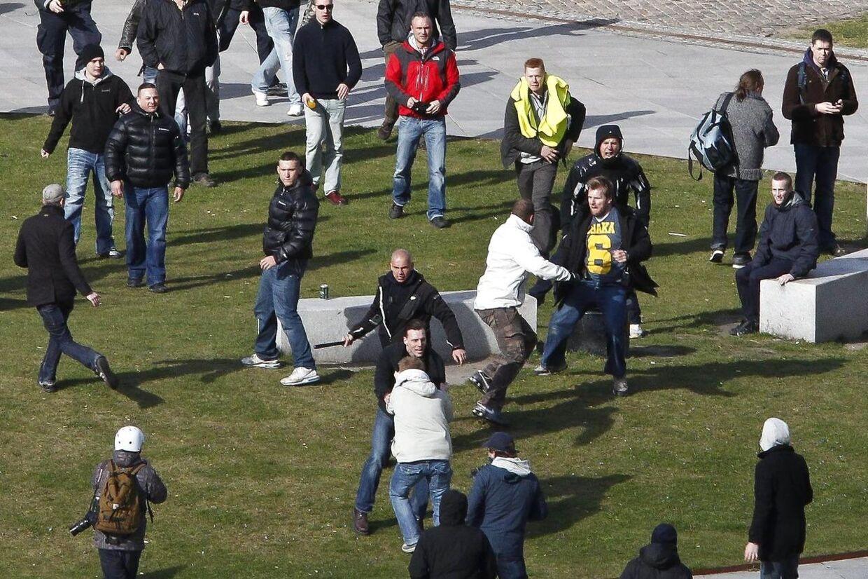 Mølleparken i Aarhus var lørdag fyldt medpersoner i et masse-slagsmål.