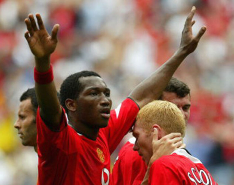 Eric Djemba-Djemba dengang han repræsenterede Manchester United. Nu prøvetræner han i OB.