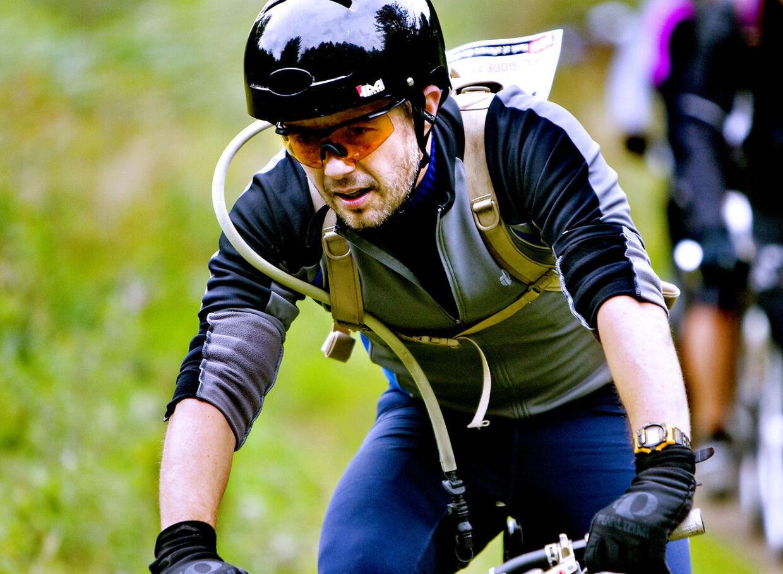 Søndag svedte Kronprins Frederik sig igennem 103 kilometer i kuperet mountainbike-terræn. Det skete til MTB Marathon i Gribskov og Store Dyrehave. ARKIVFOTO.
