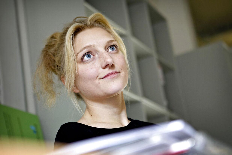 Zenia Stampe giver sit indspark til asyldebatten på facebook.